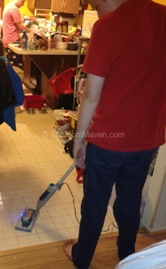 Let The Swiffer Bissell Steamboost Clean Up Your Holiday