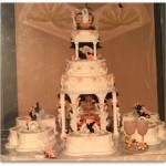 MomMaven's wedding Cake-Top 4 tips for choosing your wedding cake-themommaven.com