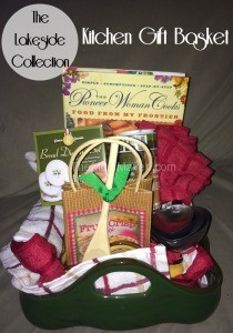 This kitchen gift basket from The Lakeside Collection will make any cook smile!