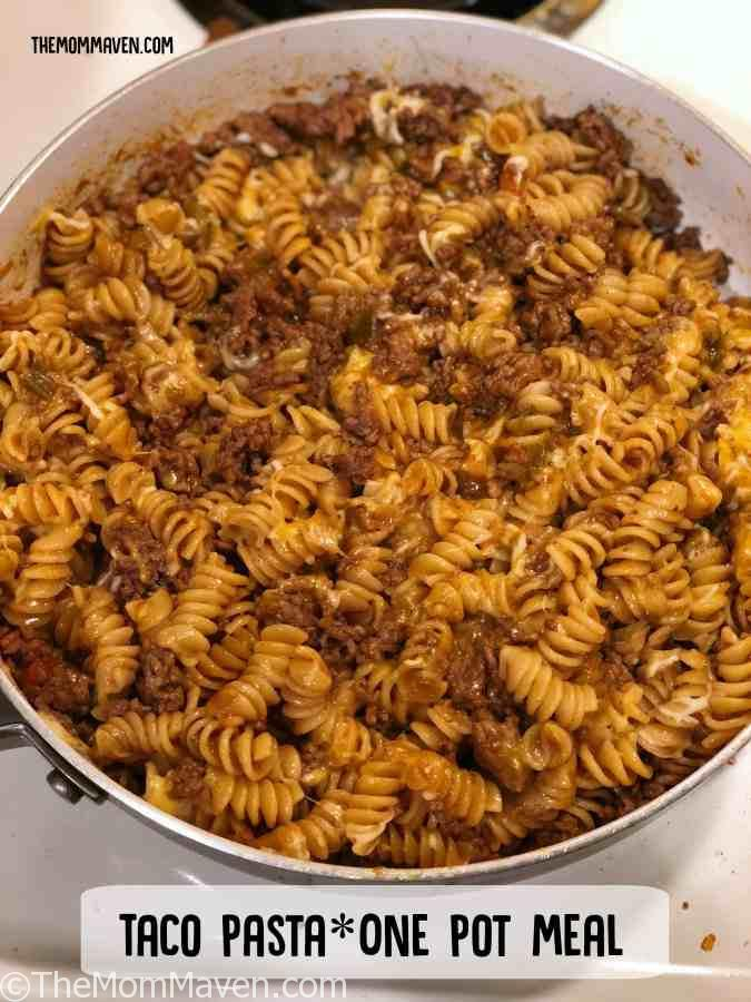 Since Cinco de Mayo is right around the corner I decided it was time to try an idea that's been kicking around in my brain for a while now, Taco Pasta. It is all that taco-y goodness with everyone's favorite...pasta!