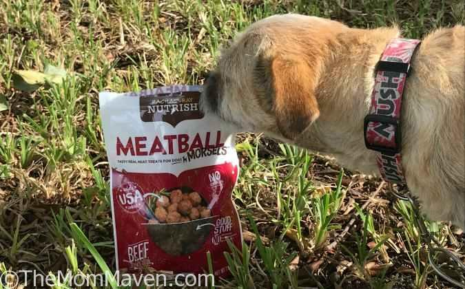 The Rachael Ray Nutrish Meatball Morsels, Beef, Chicken & Bacon Recipe Dog Treats are cooked to taste like a homestyle meatball – just like Rachael would make in her own kitchen