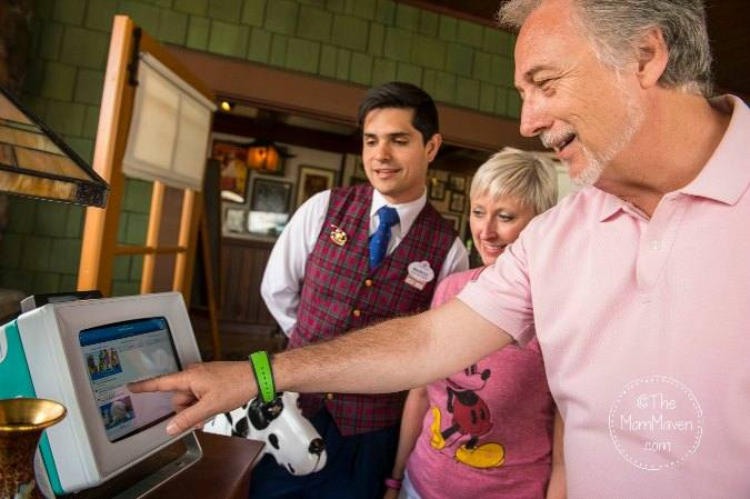 The Walt Disney World Fastpass system can be very confusing for guests. Here are my Top 10 Disney Fastpass Tips to help you make your Fastpass planning easier.