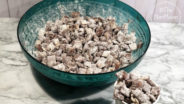 The holidays are right around the corner and this Andes Mint Puppy Chow is an easy to make snack that both adults and kids love.
