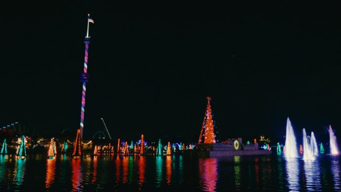 Gather your family and meet your festive friends at the award-winning SeaWorld Christmas Celebration, taking place November 14 through December 31.